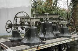Kirchenglocken stehen bereit für den Transport nach Zürich, Foto © Katja Illner