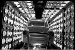 Irina Pap − Autofabrik in Saporischschja, Produktion des kostengünstigen Autos Saporoshez, 1960