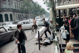 Joel Meyerowitz, Paris, France, 1967 © Joel Meyerowitz, Deichtorhallen Hamburg / Sammlung Falckenberg