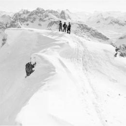 Mohnenfluhgipfel gegen Arlberg; Foto Sammlung Risch-Lau, Vorarlberger Landesbibliothek