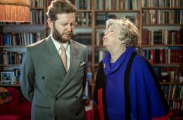 Ragnar Kjartansson Me and my Mother , 2000, 2005, 2010, 2015 Ein-Kanal-Videos, 7:00, 3:40, 20:00, 20:25 Min. Courtesy der Künstler, Luhring Augustine, New York und i8 Gallery, Reykjavík