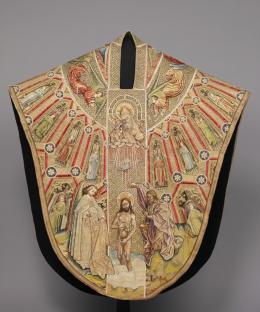 Kasel des Meßornats des Ordens vom Goldenen Vlies, (Vorderseite) Um 1430/40 L. 149,5 cm, B. 135,5 cm © KHM-Museumsverband