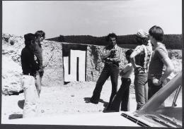 Arbeitsprozess Tübingen, 1975  S-W- u. Farbfotografien, 21 x 29,7 cm, Neue Galerie Graz, Foto: Universalmuseum Joanneum/N. Lackner, © Bildrecht Wien, 2020
