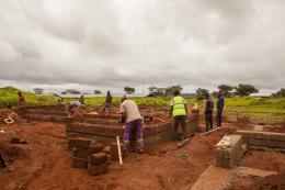 Baustelle des Gästehauses vom Krankenhaus in Ngaoubela, Kamerun © TUM DesignBuild