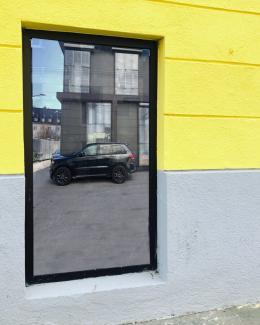 Christine Lederer, Pee to SUV, Vorlage für eine installative Arbeit, Holz, Außenputz, Styropor, Glas, PVC-Folie, Acryl, 210 x 130 cm © Bildrecht, Wien 2021