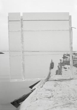 Lukas Hoffmann, Bronx River Avenue, 2016, gelatin silver print, 180 x 122 cm