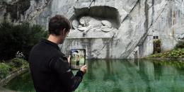 Via Augmented Reality App Geschichte lernen (Foto: Hochschule Luzern)
