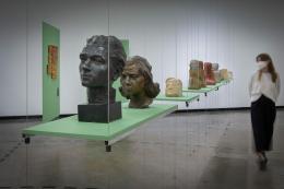 Ausstellungsansicht: Averklub Collective. Manuš heißt Mensch, Kunsthalle Wien 2021, Foto: © eSeL.at - Lorenz Seidler