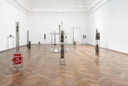"Matthew Angelo Harrison, Installationsansicht, ""Proto"", Kunsthalle Basel, 2021. Foto: Philipp Hänger / Kunsthalle Basel"