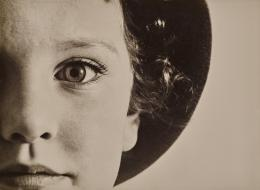 Max Burchartz Lotte (Auge), 1928 Silbergelatinepapier Museum Folkwang, Essen © Bildrecht, Wien 2020