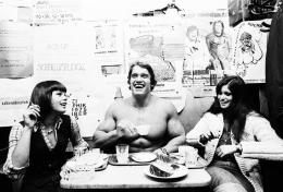 Arnold Schwarzenegger, 1975, Hahnemühle Fine Art Baryta Print © Michael Horowitz