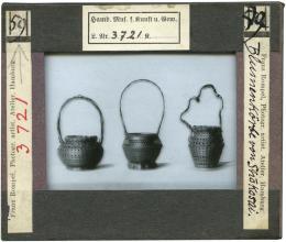 """Wilhelm Weimar (1857–1917) """"Drei Blumenkörbe aus Japan"""", um 1901 Glasdiapositiv, 84 x 10,0 cm Museum für Kunst und Gewerbe Hamburg"""