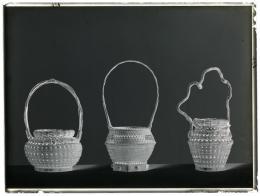 """Wilhelm Weimar (1857–1917) """"Drei Blumenkörbe aus Japan"""", um 1901 Glasnegativ, 17,8 x 23,8 cm Museum für Kunst und Gewerbe Hamburg"""