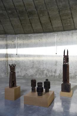 """Ausstellungsansichten """"Gerhardt Moswitzer"""" © Museum Liaunig"""