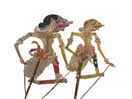 Schattenfiguren, Pragalba, Java, 1850–1900, Geschenk Paul und Tina Stohler, Museum Rietberg, 2017.582 / Patih Sangkuni, Java, 1850–1950, Geschenk Paul und Tina Stohler, Museum Rietberg, 2017.578 (von links)