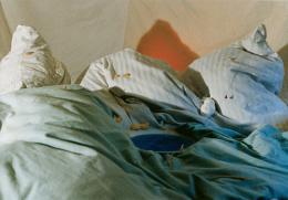 Fischli / Weiss, In den Bergen, 1979 Farbfotografie, 68 x 98,5 cm Kunsthaus Zürich, Vereinigung Zürcher Kunstfreunde, Gruppe Junge Kunst, 1989, © Peter Fischli /David Weiss