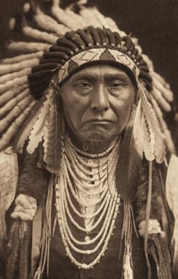 «Joseph – Nez Percé» Edward S. Curtis, Fotogravur, 1903 (c) McCormick Library of Special Collections, Northwestern University Librari