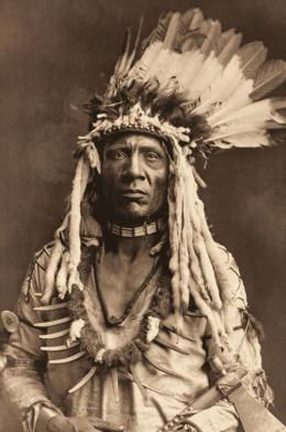 «Weasel Tail – Piegan» Edward S. Curtis, Fotogravur, 1900 (c) Charles Deering McCormick Library of Special Collections, Northwestern University