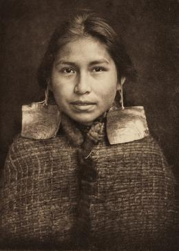 «Tsawatenok Girl» Edward S. Curtis, Fotogravur, 1914 (c) McCormick Library of Special Collections, Northwestern University Libraries