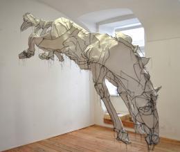 "Mela Diamant, ""Da sah ich ein fahles Pferd"", 2020, genähte Skulptur, lebensgroß © Mela Diamant"