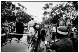 Archiv Robert Lebeck, Dem König von Belgien wird der Säbel gestohlen, Leopoldville, Kongo 1960