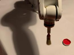 Der malende Roboter Arka (© Forum Stadtpark)