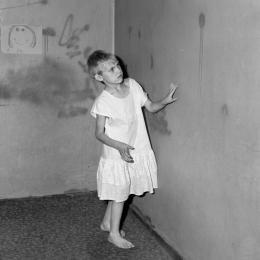 Roger Ballen, Girl in white dress, 2002 © Roger Ballen