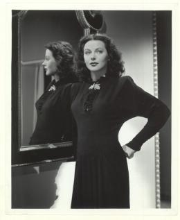 "Hedy Lamarr, Starportrait zu ""The Heavenly Body"", USA, 1944 © Metro-Goldwyn- Mayer, Foto: Laszlo Willinger (Anthony Loder Archive)"
