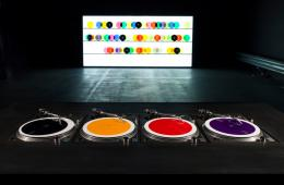 Carsten Nicolai, bausatz noto ∞ (color version), 1998/2015, record player, color vinyl records with locked grooves, mixing board, amplifier, loudspeaker/ headphones, dimension variable, © VG Bild- Kunst, Bonn 2018, Courtesy Galerie EIGEN + ART Leipzig/Berlin, Photo: Julija Stankeviciene