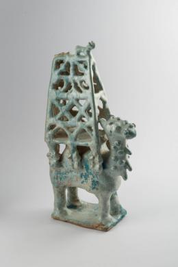 Statuette eines Kamels mit Sänfte, Iran, 12./13. Jh., © Staatliche Museen zu Berlin, Museum für Islamische Kunst / Johannes Kramer