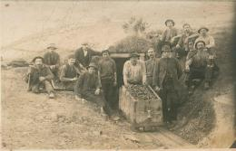 """Grubenarbeiter mit Grubenhunt in St. Ulrich im """"Wieser Revier"""", um 1920,  unbekannter Fotograf, Knappschaft Pölfing-Bergla"""