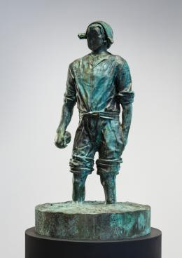 Mann ohne Gesicht (M 1:5), 2018 Patinierte Bronze, Stahl, 126 x 69 cm Courtesy of the artist and Peter Freeman, Inc., New York Foto: Nicholas Knight Studio © Thomas Schütte | Bildrecht, Wien, 2019