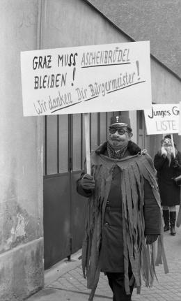 Faschingsumzug der KPÖ, 25.2.1968,  Foto: Multimediale Sammlungen/Universalmuseum Joanneum